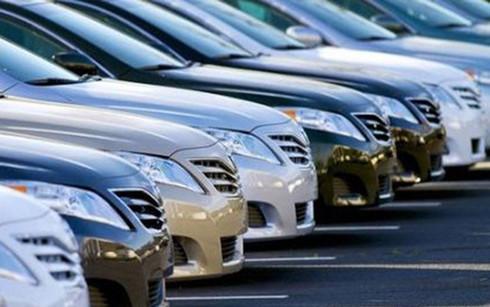 Ô tô xả hàng: Đại hạ giá trăm triệu đồng