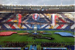 Toàn cảnh lễ bế mạc EURO 2016 đầy màu sắc