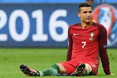 """Điểm nhấn: Bồ Đào Nha đổi đời nhờ """"vận đen"""" Ronaldo"""