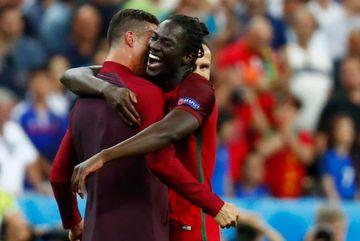 Ronaldo nói gì để biến Eder thành người hùng?