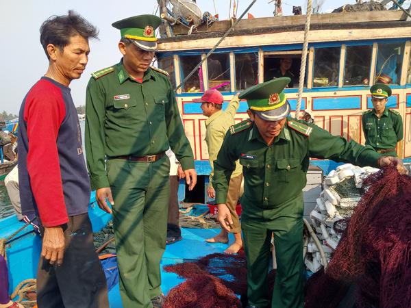 5 ngư dân trên tàu bị TQ đâm chìm vẫn chưa vào bờ
