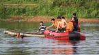 Học bơi trên sông, trẻ 11 tuổi cùng 'thầy' chết thương tâm