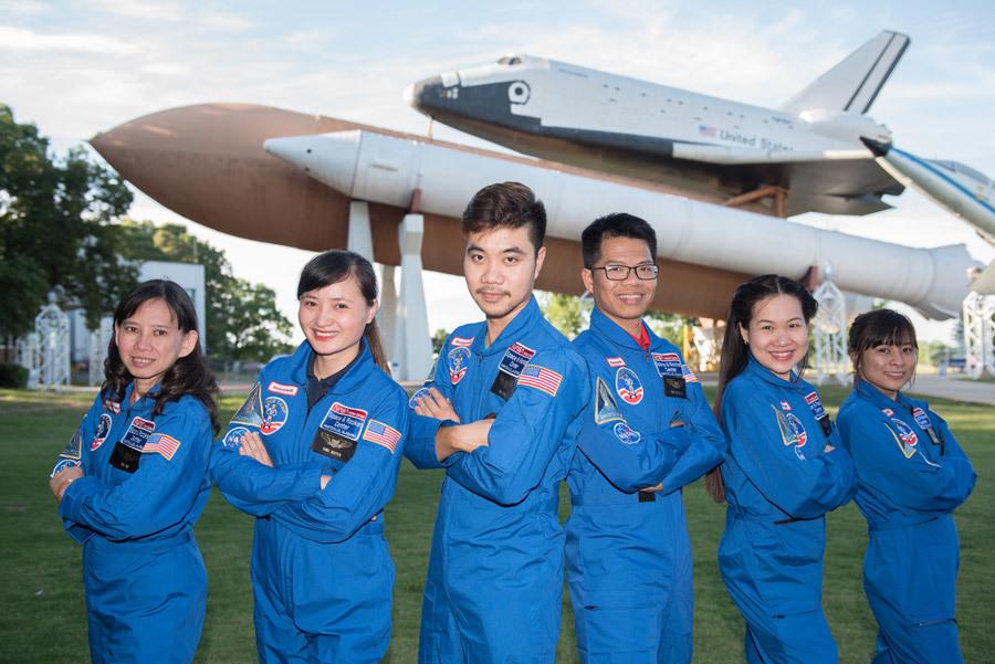 Mai Thị Kim Tuyến, HESA, USSRC, cô giáo 9x, giả định không gian vũ trụ