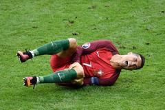 Chấn thương nặng, Ronaldo phải nghỉ 4-5 tháng
