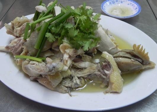20 địa chỉ ăn vặt hấp dẫn du khách ở Sài Gòn