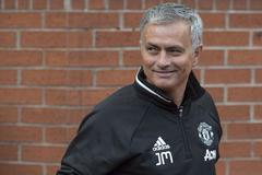 """Mourinho buông lời """"đường mật"""", fan MU sướng... phát rồ!"""
