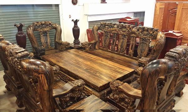 Đại gia Sài Thành: 2 năm chế bộ bàn ghế gần 2 tỷ