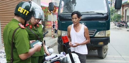 Khi nào cảnh sát trật tự được kiểm tra hành chính xe