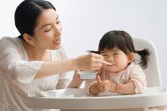 3 sai lầm điển hình của cha mẹ châu Á khiến bé biếng ăn từ sớm