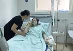 Mẹ ung thư di căn mổ ngồi cứu thai 28 tuần