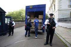 Cameron chuyển đồ khỏi dinh thủ tướng