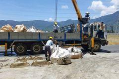 Phó chủ tịch Hà Tĩnh: Tạm dừng chuyển chất thải khỏi Formosa
