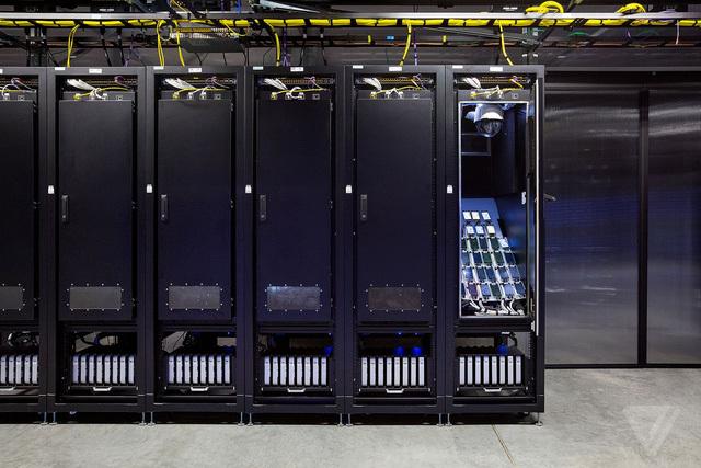 Phòng thí nghiệm bí mật của Facebook có gì?