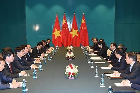 Thủ tướng Nguyễn Xuân Phúc gặp Thủ tướng TQ Lý Khắc Cường