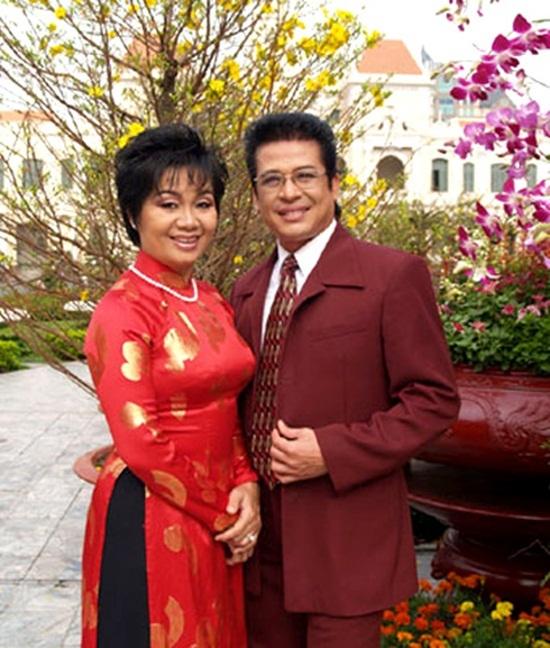 Những lần hiếm hoi MC Thanh Bạch trải lòng về vợ