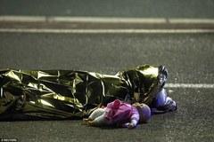Bức ảnh ám ảnh trong vụ khủng bố tại Nice