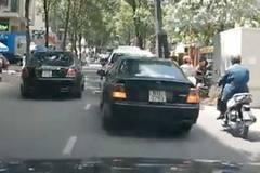 Xe siêu sang Rolls-Royce ngang nhiên chạy ngược chiều trong phố gây bức xúc