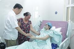 BT Tô Lâm thăm chiến sỹ không chữa ung thư để cứu con