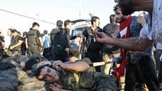 Thảm kịch từ đảo chính quân sự Thổ Nhĩ Kỳ