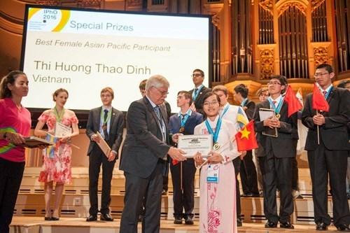Huy chương Vàng Olympic vật lý quốc tế, Đinh Thị Hương Thảo  SEO