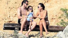 Gareth Bale cùng bạn gái thả mình với nắng biển