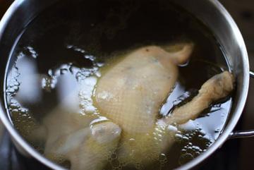 Thời gian chuẩn để luộc các loại thịt mà không sợ thịt sống hay quá khô?