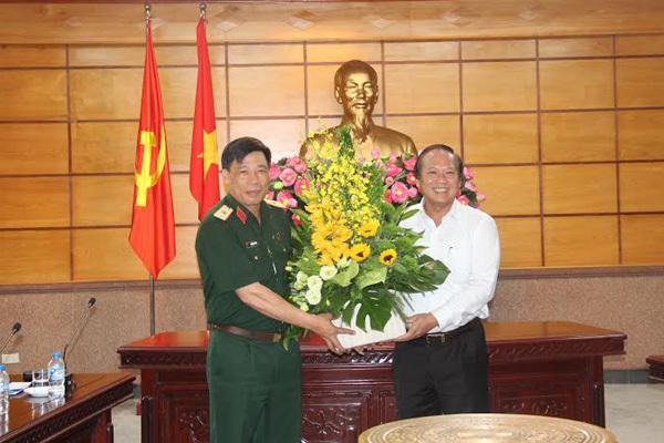 Bộ trưởng TT&TT thăm Học viện Quốc phòng