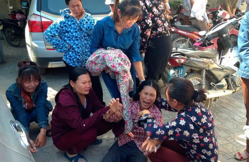 Hà Tĩnh: Vật vã giữa công đường kêu oan cho chồng