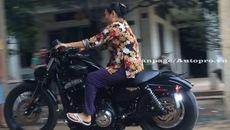 Má Mười U70 vẫn cầm lái mô tô Harley Davidson 48 'dễ như ăn kẹo'