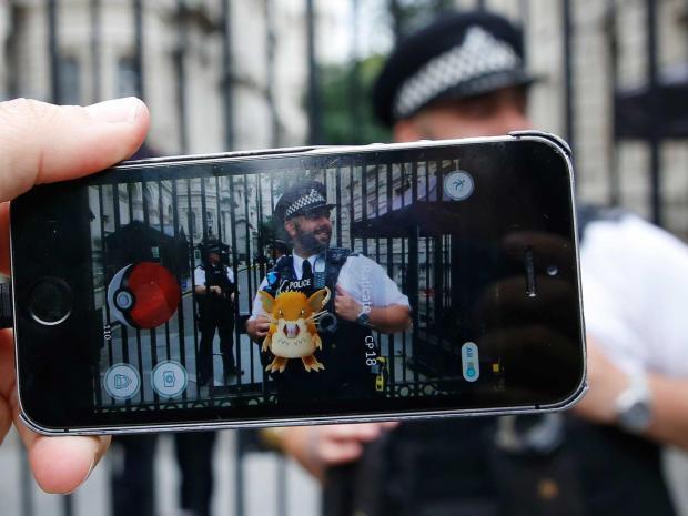 Xem dân mạng phát khùng vì săn Pokemon