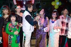 MC Thanh Bạch hạnh phúc trong đám cưới lần thứ 9