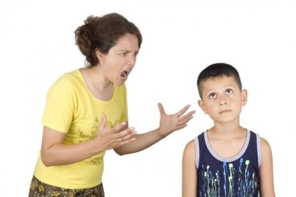 """Xem cách mẹ Tây xử lý """"con hư"""" và 5 bài học rút ra cho bố mẹ Việt"""