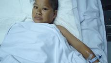 Thương người phụ nữ 11 năm liệt giường vì mắc bạo bệnh