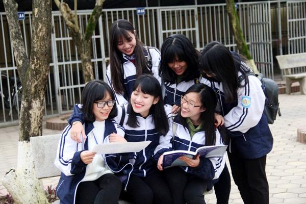 Nữ sinh 'nhại 7 thứ tiếng' được tổng điểm 28,03