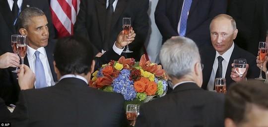 Mỹ hờn ghen vì nước nga có Putin