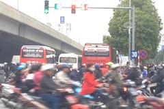 Phó GĐ Sở bị phê bình vì xe khách chạy hỗn loạn