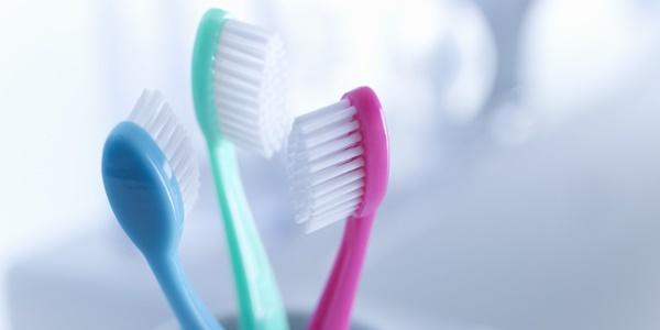 Thói quen giết cơ thể khi dùng bàn chải đánh răng sai cách