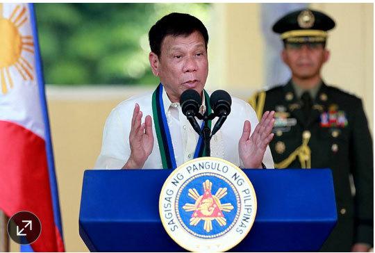 Tổng thống Philippines nổi giận vì yêu cầu tự phụ của TQ