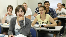 Nhật thắt chặt quản lý trường dạy tiếng cho người nước ngoài