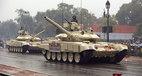 Ấn Độ điều trăm xe tăng tới biên giới với Trung Quốc