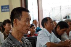 Vật vã kêu oan cho chồng: Mâu thuẫn vụ án