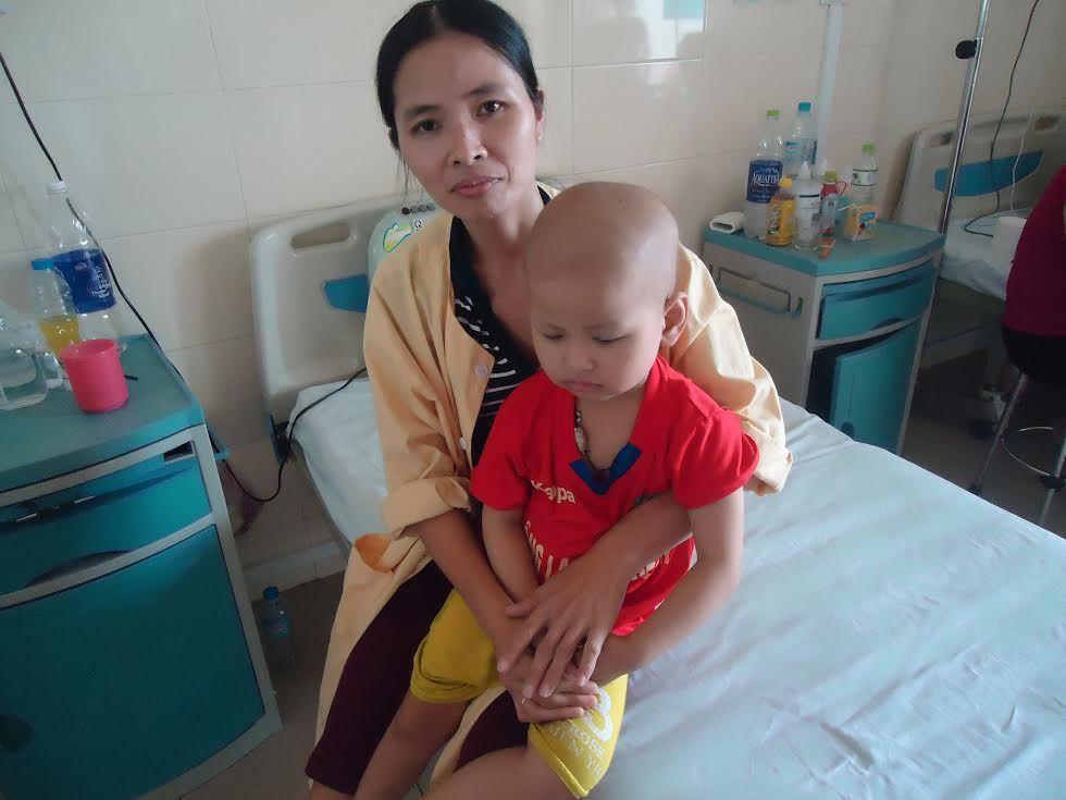 Nhà Nghèo Xin Cứu Con Trai Ung Thư Nền Sọ Não