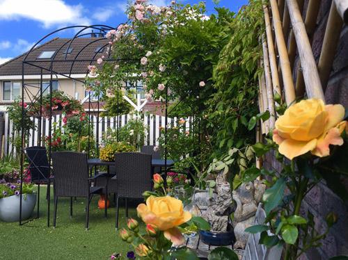 vườn đẹp, vườn đẹp như tiên cảnh, vườn hoa, mẹ Việt, thế giới, làng hoa