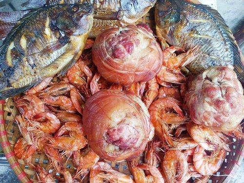 Bỏ nghề, lương cao, cá gác bếp, bỏ việc, cá kho, kho cá, tôm cá, hải sản, xuất khẩu