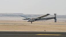 Máy bay Si2: Bất ngờ hoãn chặng cuối vòng quanh địa cầu