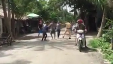 Nhiều thanh niên vây đánh cảnh sát giao thông ở miền Tây