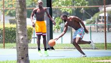 Pogba so tài bóng rổ với Lukaku trên đất Mỹ