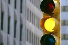 Vượt đèn vàng: Ranh giới mong manh dễ mất đến 2 triệu
