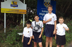 Bị phạt vì mặc quần đùi, nam sinh mặc váy tới trường