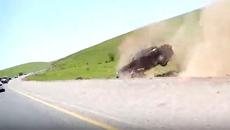 Tai nạn ô tô kinh hoàng trên đường dẫn dâu